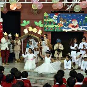 christmas-junior-school-2016-big-th1